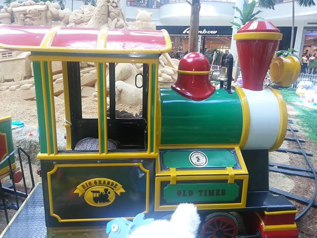 Summer train rides at Savannah Mall